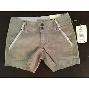 Royal Robbins strider stretch shorts size 2 NEW